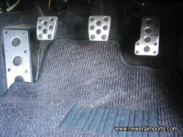 Optional alloy pedals & Fitted mats.