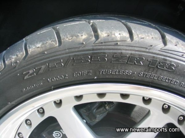 Tyres are 275/35 ZR18