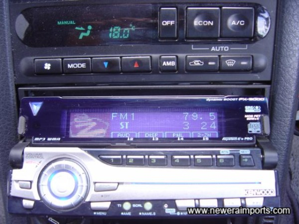 MP3 Plater - opens electrically.