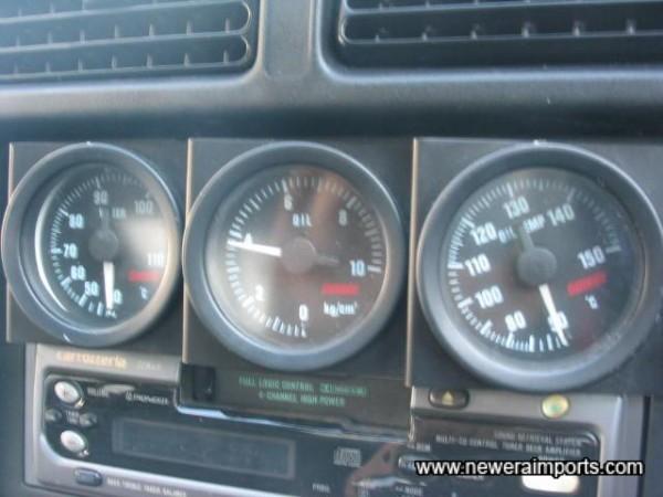 Omori gauges to show oil temp/oil pressure/water temperature
