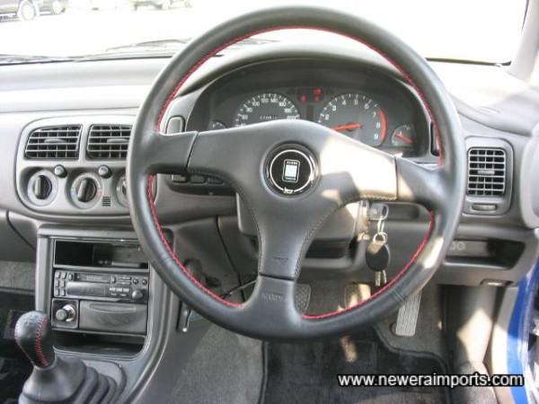 Steering wheel virtually unworn!