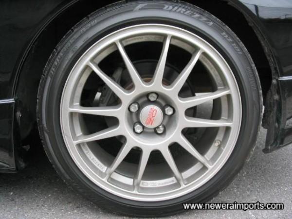 OZ 17' Superlegera forged alloy wheels.