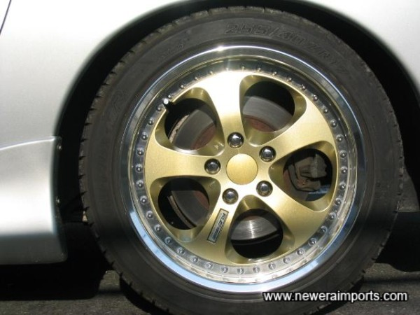 Wheels in brand new condition with good tyres!
