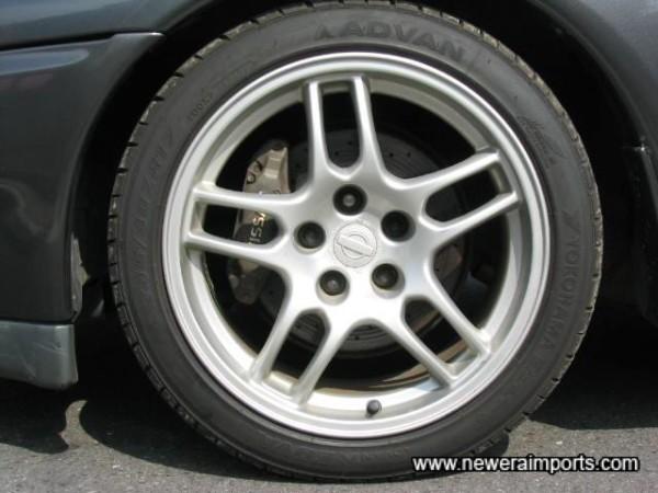 Original R33 GT-R Alloys suit R32 well.