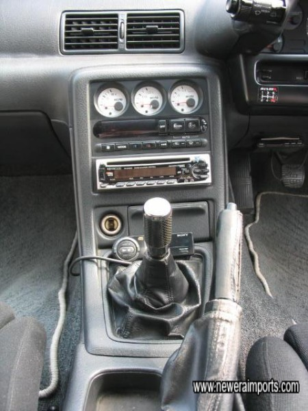 Razo Carbon gearknob (Std leather knob is available).