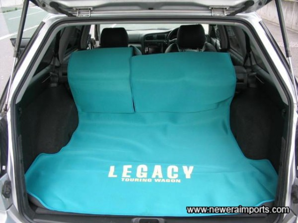 Neoprene Rear Luggage Cover.