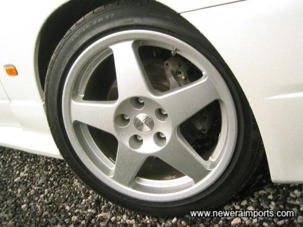 17'' OZ Racing alloys & near new sports tyres.