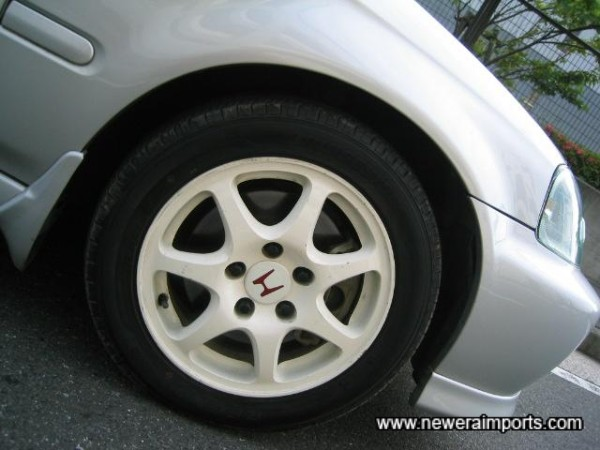 Wheels are unmarked. Tyres also in good condition.