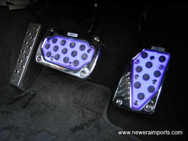 Illuminated pedals!