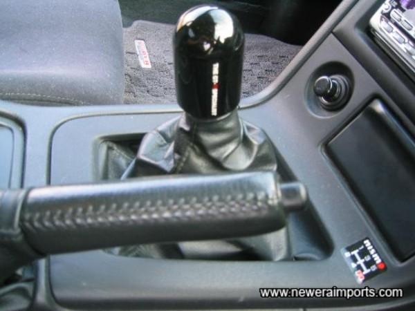 Mines gear knob. Heavy!!