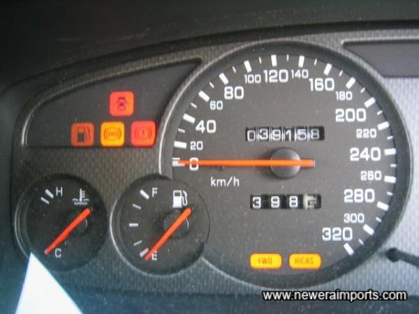 320 Km/h Speedo.