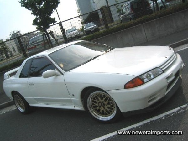 White is one of the best colours for R32's - as it shows off the discreet bulges and curves of the bodywork. Classic Japanese Street Style!