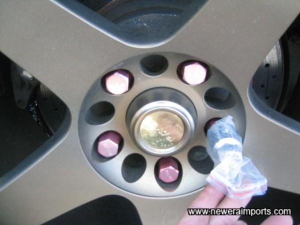 RAYS locking wheelnut on each wheel & lightweight alloy nuts.