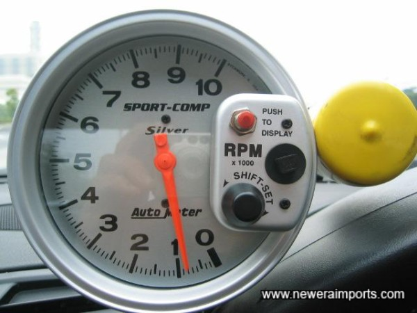 Spprt Comp Racing Rev counter with adjustable setting for the shift light.