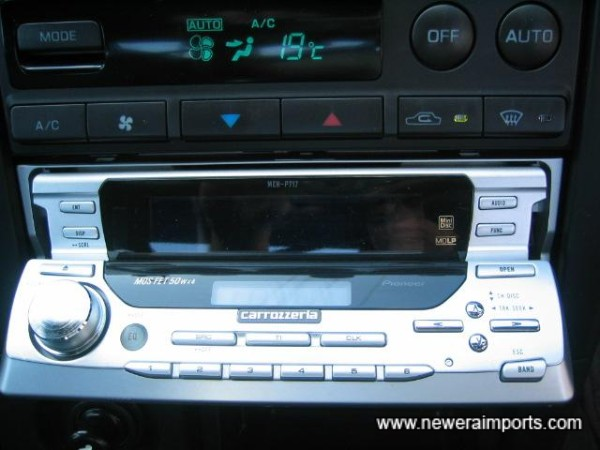 High Quality Carrozzeria (Pioneer) MOS FET Amplified 200W MD/Radio unit.