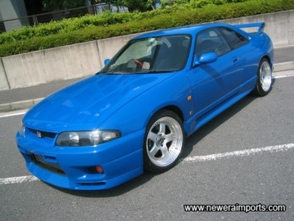 The R33 Le Mans was made in very limited numbers to commemorate entry  successes at Le Mans in 1996.