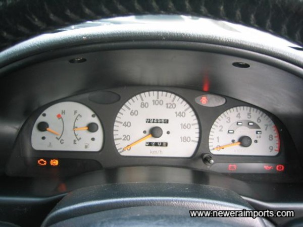 Note that there's an LED turbo indicatore on the rev counter.