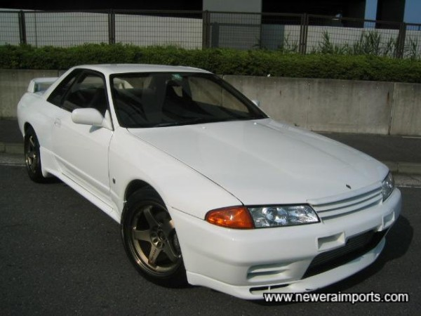 We recommend fitting clear front indicators - available through www.neweraparts.com