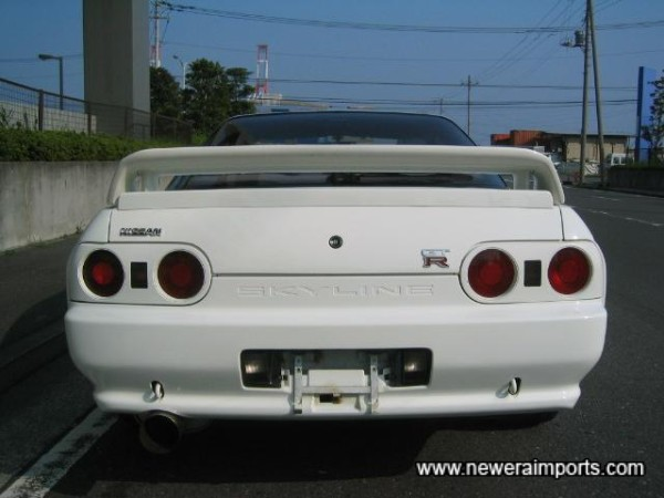 Nismo lower spoiler fitted.