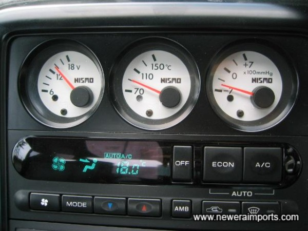 Nismo centre console gauges.