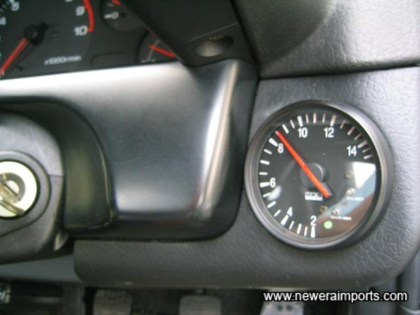 Oil temp gauge fitted here!