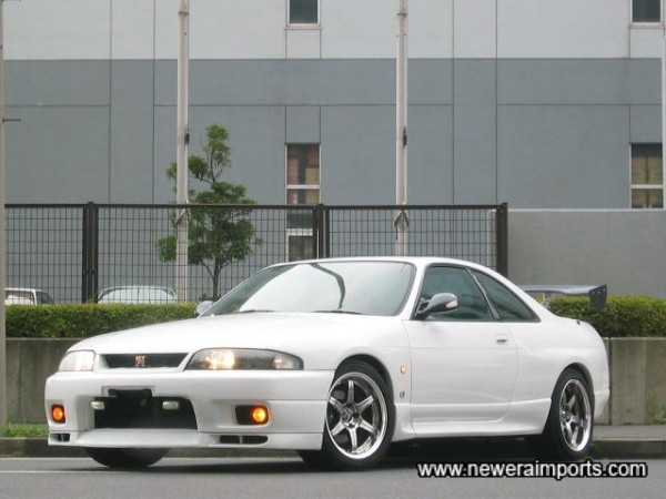See if you can tell the difference between this bodywork - and a GT-R R33's!