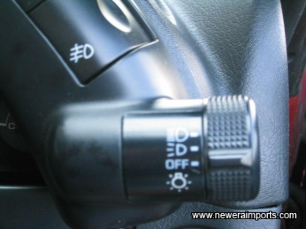 Note headlight switch's paint is unworn - another sign of genuine low mileage.