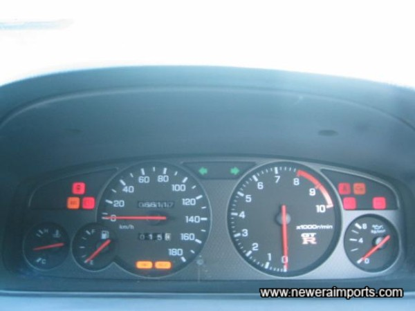 ABS, Hicas, 4WD warning lights present & correct.