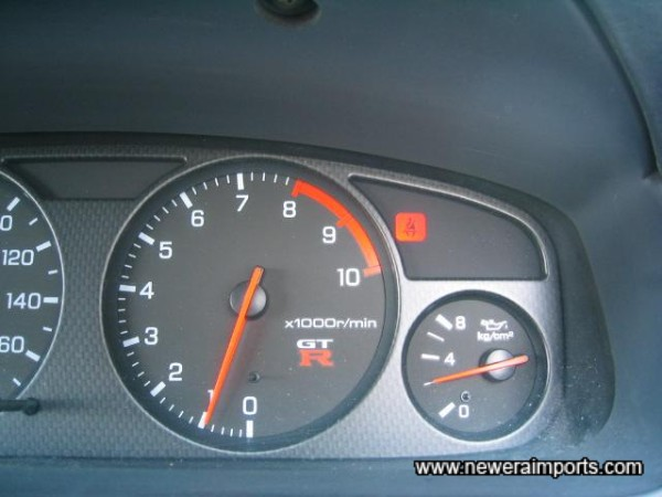 Oil pressure 2kg/cm2 when warmed fully - also a good sign!