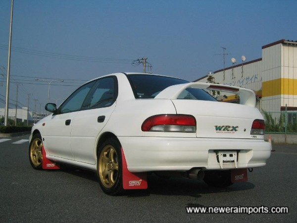 Despite being thin (as on all Imprezas) the panels are completely straight - as they left the factory in 1996!