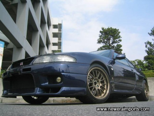 Volk Racing SE37's of 18'' size set this Skyline GT-R off perfectly