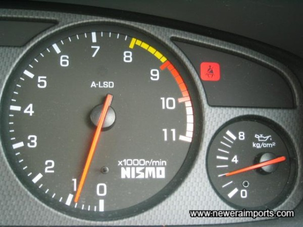 Oil pressure 2kg/cm2 when warmed fully - also an excellent sign!