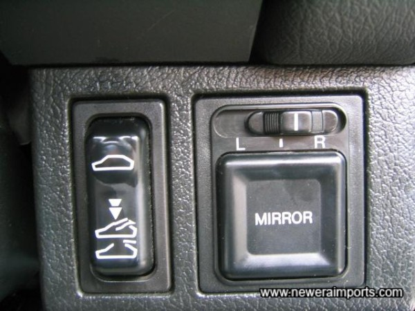 Remote controlled door mirrors.