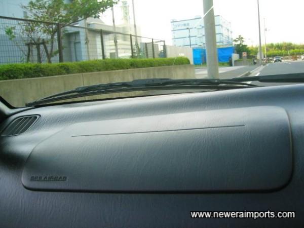 Passenger's SRS airbag.