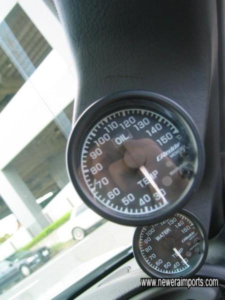 Greddy water & oil temp gauges.