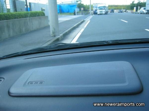 Passenger SRS airbag.