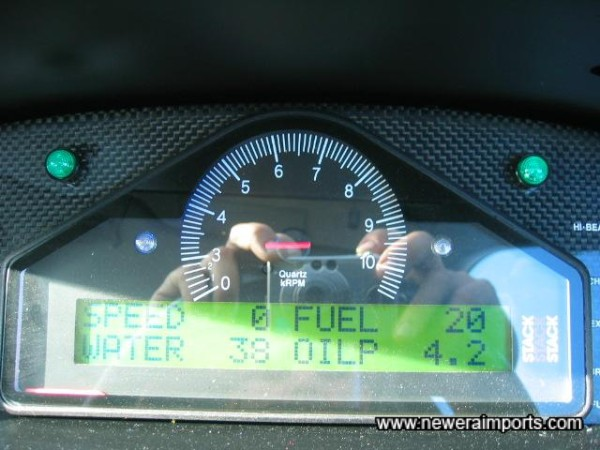Note - Rev counter display not indicating correctly. Oil pressure shown at idle, when started from cold.