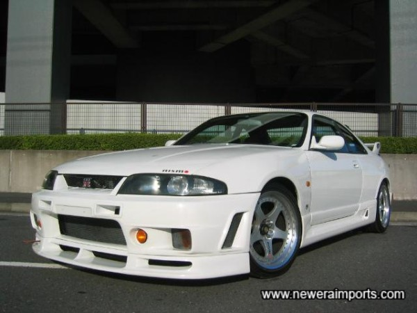 Nismo LM GT-1 alloy wheels set the car off perfectly.