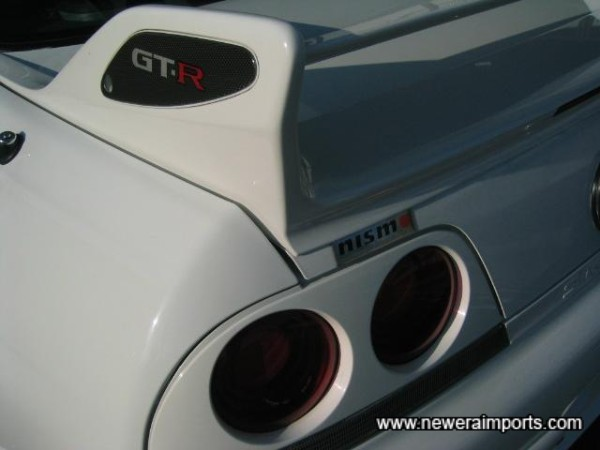 Nismo spoiler end plates - Carbon Fibre