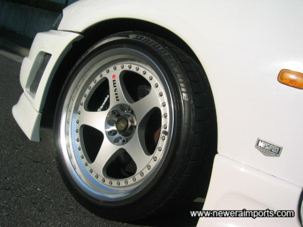 Nismo LM - GT1 18'' forged alloy lightweight wheels.