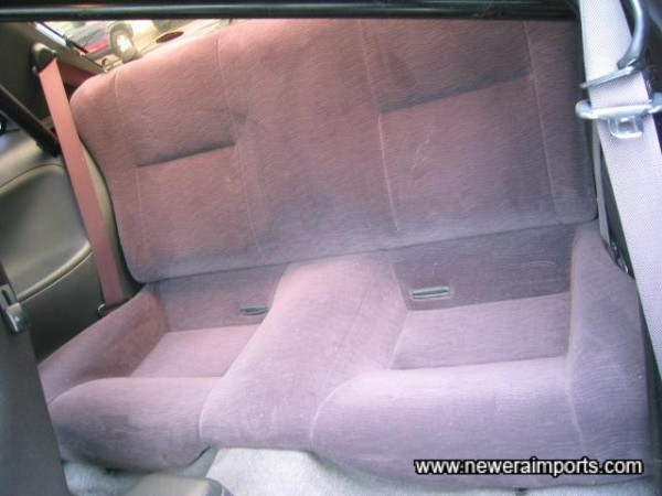 Note - no rear seat belt buckles are fitted.