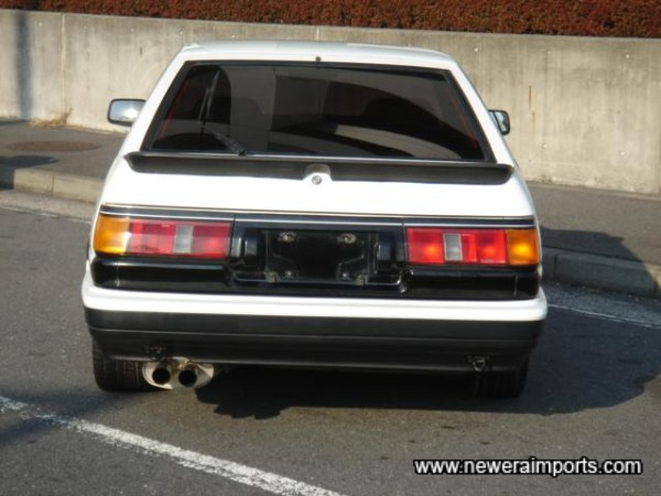 Trueno Red rear lights are available - through www.neweraparts.com
