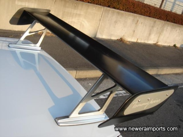Alloy GT wing is of highest quality.