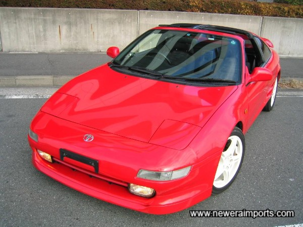 Note this is a different shade of red to previous older model MR2's.