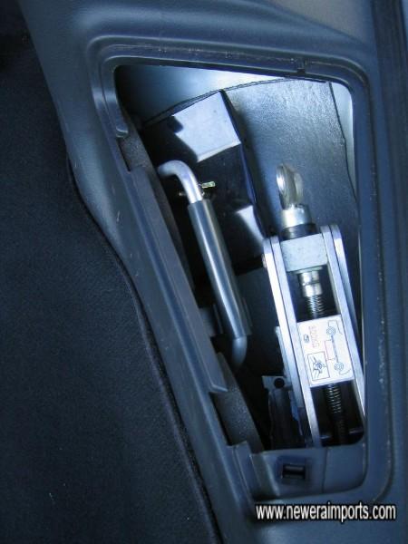 Òriginal tool kit - Unused.