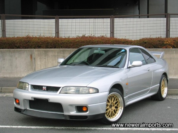Examples of R33 GT-R's in this condition are few & far between.