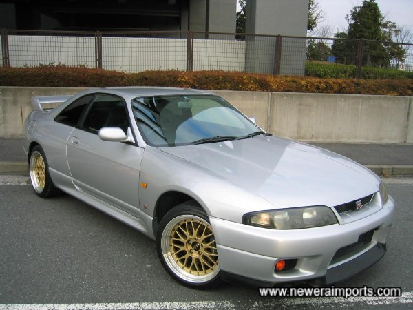 18'' BBS LM alloy wheels are like new.