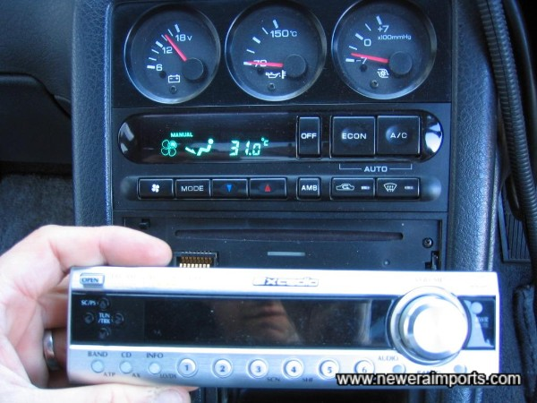 CD / Radio with security removable face.