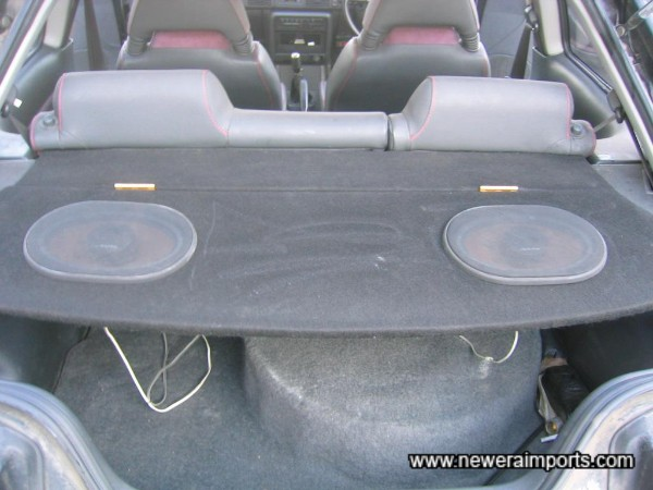 Note Parcel Shelf with high performance uprated speakers.