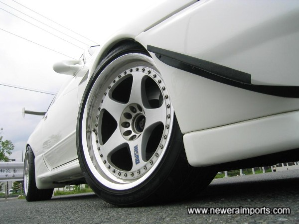 Nismo LM GT-1 alloy wheels are 18''